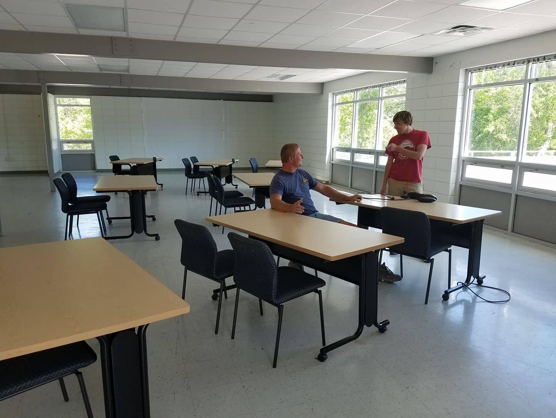 Highlander Room with desks